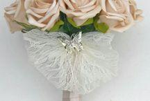 Mocha themed wedding flowers