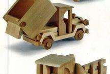 carrinhos de madeira