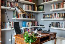 Miejsce do pracy w mieszkaniu / Pomysły na zagospodarowanie przestrzeni pod domowe biuro.