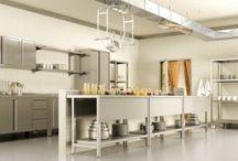 Meble metalowe gastronomiczne / Meble gastronomiczne są bardzo wymagające i powinny być wykonane z materiałów kwasoodpornych lub nierdzewnych
