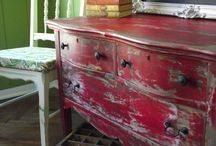 Painted Furniture & Tutorials / by Barb Holland
