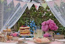 Dessert Table / A beautiful way to eat al fresco