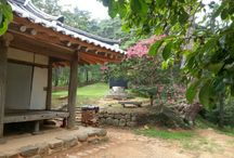 Korean Traditional Walls / These pictures were divided into Korean traditional walls, peaceful walls, religious beliefs, and religious beliefs.And therein lies our culture.