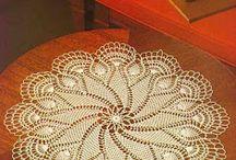 tapetes crochet ll / by clara martinez