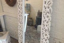 Het Hofje Home & Lifestyle / Het Hofje is mijn winkel in Heerenveen. Hier verkoop ik landelijke woonaccessoires en sinds kort de prachtige decoratieve verf van Annie Sloan.