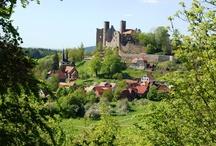 Reise in die Vergangenheit. Wirtshaus Klausenhof unterhalb der Burg Hanstein.