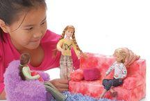 barbie doll house / furniture