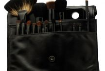 ANiiSE  MAKEUP BRUSHES & ACCESSORIES / Aniise Natural Skincare and Cosmetics is available for purchase at https://aniise.com/  #lipstick #mattelipstick #moisturizing #makeup #lips #lipliner #naturalmakeup #naturalcosmetics #crueltyfree #beauty #naturalskincare #skincare #naturallipliner #mattemakeup #aniise #noanimaltesting #liquidlipstick #cosmetics #naturalbeauty #ombrelips