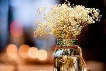 Flores e velas - decoração de casamento / Decoração de casamento simples e charmosa, com velas e flores.