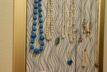 DIY Jewelry Display / Great ideas about jewelry display boards and frames that you can make yourself.