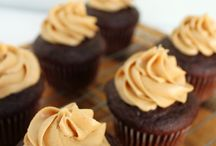 Cupcakes and Cookies / Delicious cupcake and cookie recipes / by Jenna Dower