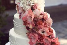 Wedding Cakes / Wedding cake ideas and inspiration.