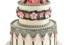 Cake♥♡♥♡ / by julisa monteclaro