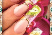 Folclore / Organic® Nails / México se vive en la piel, y en las uñas también. Te compartimos nuestro amor por México con novedosos diseños, fuera de lo tradicional, pero con la pasión que nos caracteriza. Vive México en estas 4 propuestas para este mes de Septiembre.  ¡Vive México con Organic Nails®!