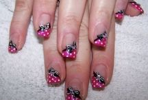 nails / by Gloria Goheen