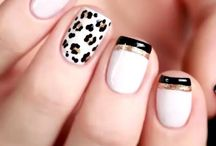 white and black nails (french)