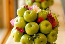 Rosh Hashanah Floral Ideas / Ideas for how to decorate your Rosh Hashanah Table