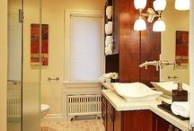Bathrooms / by Kristi Chopin