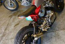 Moto racer bobber