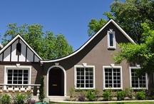 Houses I love / by Hailey Holder