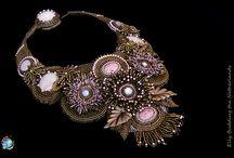 Eigen creaties / Ik maak sieraden op bestelling, met de techniek: bead embroidery