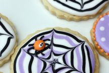Edible halloween gloriousness / If it's black, orange, purple or made of pumpkin, it's going here!