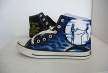 canvas shoes/converses