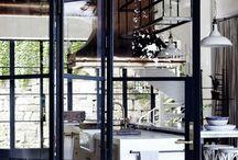hoge metalen binnendeur