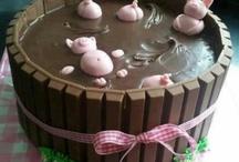 Cakes / by Jessica Montalvo