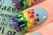 Nail Art: Polkadots / Bored with the same old mani?  Fall back on a favorite: the dot-icure!
