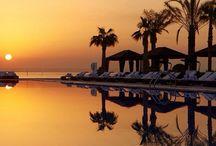 Qatar / Dicas de viagem para o Qatar. Hotéis onde ficar e restaurantes onde comer. Os melhores passeios, atrações, festivais, compras, gastronomia, praias e todas as dicas para você montar seu roteiro de viagem e aproveitar as suas férias. Dicas by Adriana Lage, globe-trotter & insider.