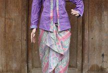 Model baju batik wanita terbaru / Koleksi model baju batik untuk wanita modern dengan motif yang sempurna dan terbaru