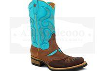 Pottawatomie Boots / Pottawatomie Boots wurden entwickelt von bekannten Designern und werden nach Jahrhundertealter mexikanischer Bootmakertradition in aufwendiger Handarbeit hergestellt....http://arrodeooo.de/pottawatomie-boots.html