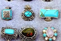 Jewelry / Rings, necklaces and bracelets
