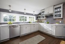 Modern Gray and White Kitchen Ideas / by CliqStudios Cabinets