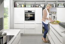 Küchen / Liebe geht durch den Magen - aber in unsere Küchen verliebt man sich auf den ersten Blick. Möbel Mit - www.moebelmit.de