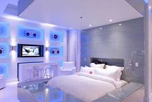 Real Estate - Dream Bedrooms / Are you looking for a bit of inspiration for your bedroom? You have come to the right place. This board is full of dream bedrooms to inspire you! Enjoy!