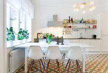 Винтажные кухни / Винтажные интерьеры очаровывают…Но на кухне не так просто создать гармоничное сочетание современных технологий и очарование старины.