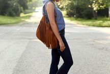 Outfit Ideas for SAHM / What to wear while you chase the kiddos.