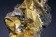 Chalcopyrite (Groupe) / Sulfures : Chalcopyrite, Eskebornite, Gallite, Roquesite