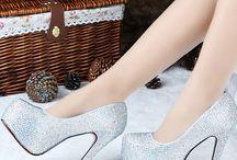 Sapatos e acessórios