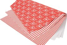 The red & white Christmas theme / You have always liked the classic red & white Christmas colors but you are in a need for a special something? We decided to make a clear line of red & white paper accessories - enjoy!