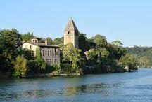 A l'abordage de l'île sauvage ! / Une balade urbaine conçue en partenariat avec les musées Gadagne. Protégée par les deux bras de la rivière Saône, l'île Barbe est un écrin de verdure représentatif de la biodiversité des rives de Saône à deux pas de Lyon. Découvrez ce lieu hors du temps, les légendes qui l'animent, et son histoire mouvementée au cours des siècles !