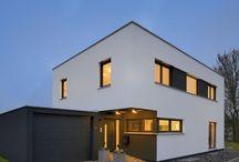 Bauhaus / Klare Formen und praktisches Design überdauern jeden Trend und kommen niemals aus der Mode.