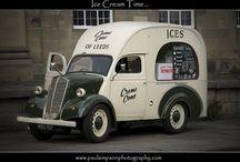 Busjes ijsverkoper wagens