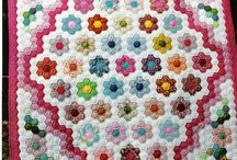 Quilts Grandmothers Flower Garden / Grandmothers Flower Garden Quilt.  I really like this traditional quilt pattern... wondering about my next scrap quilt project?