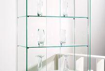 Стеклянные витрины / Универсальные стеклянные витрины. Опции: полки,  подсветка надо полками, стеклянная задняя стенка.