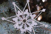 Vánoční ozdoby a hvězdy z korálků