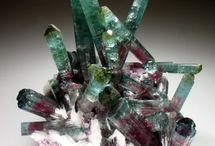 Mineralien & Fossilien / by Siegella