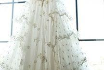 W E D / #wedding #dress #cake #flowers #photography / by Lauren Krysti